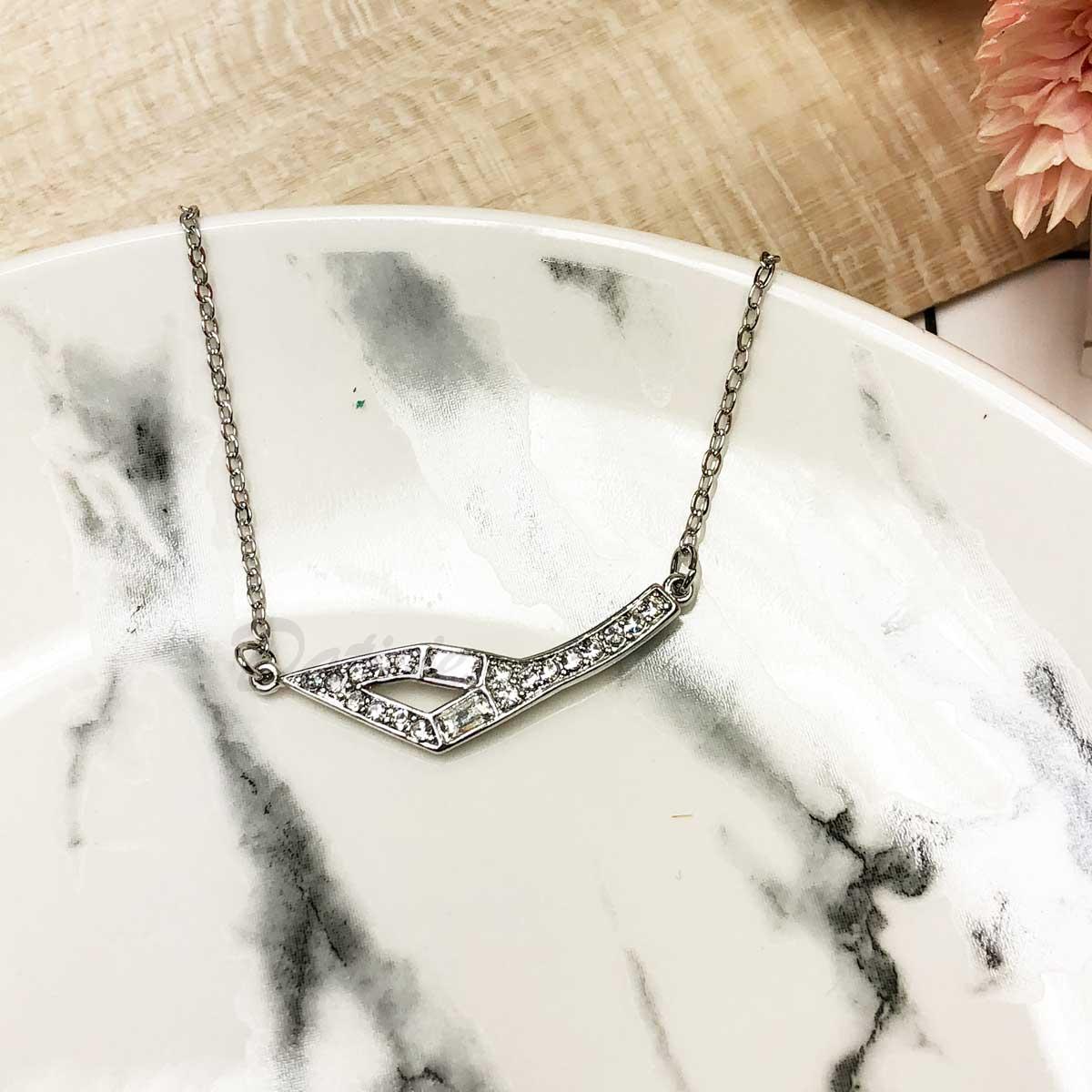 韓國 不規則 鏤空 鑲鑽 水鑽項鍊