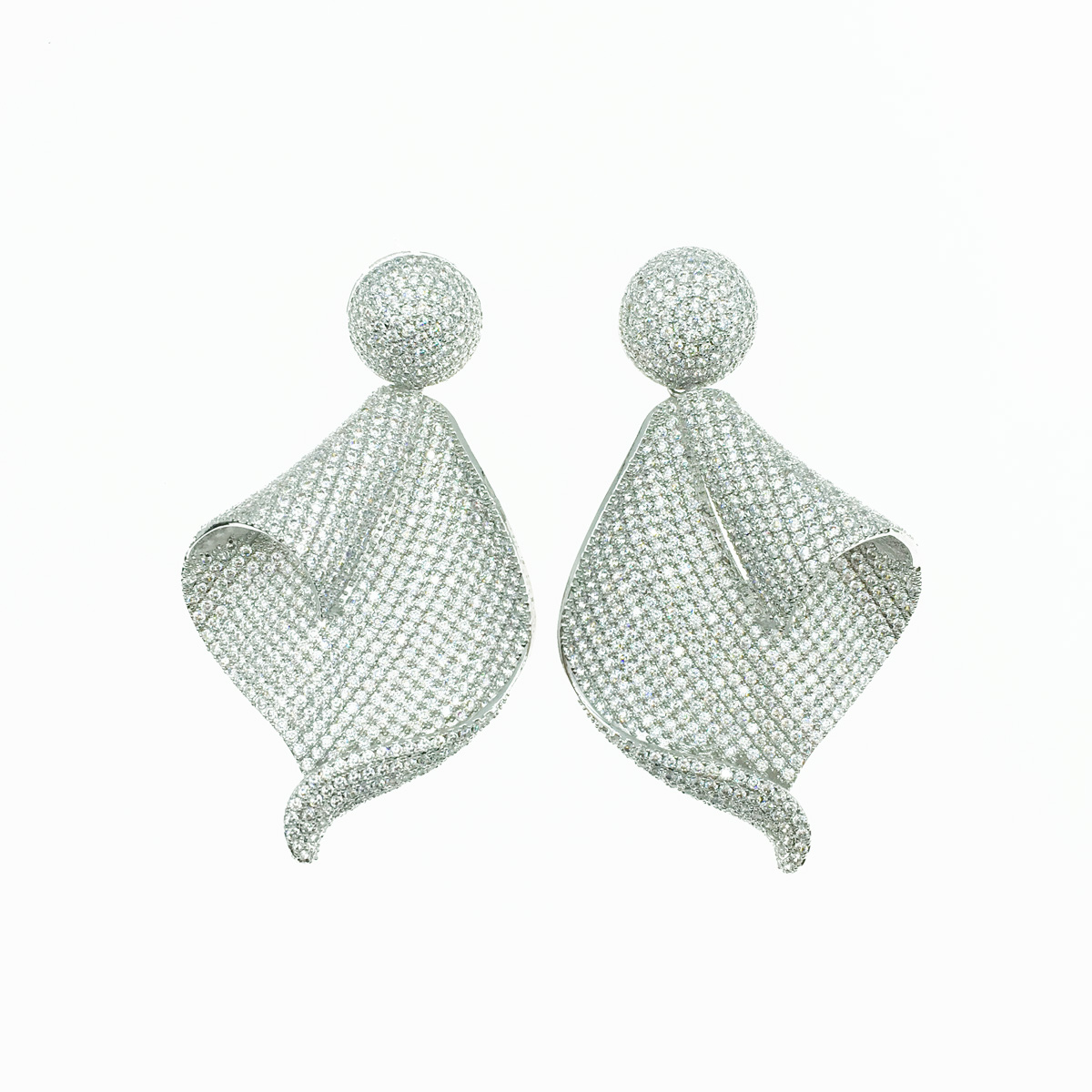 摺痕曲線 水鑽 華麗 耳針式耳環 採用施華洛世奇水晶元素 Crystals from Swarovski