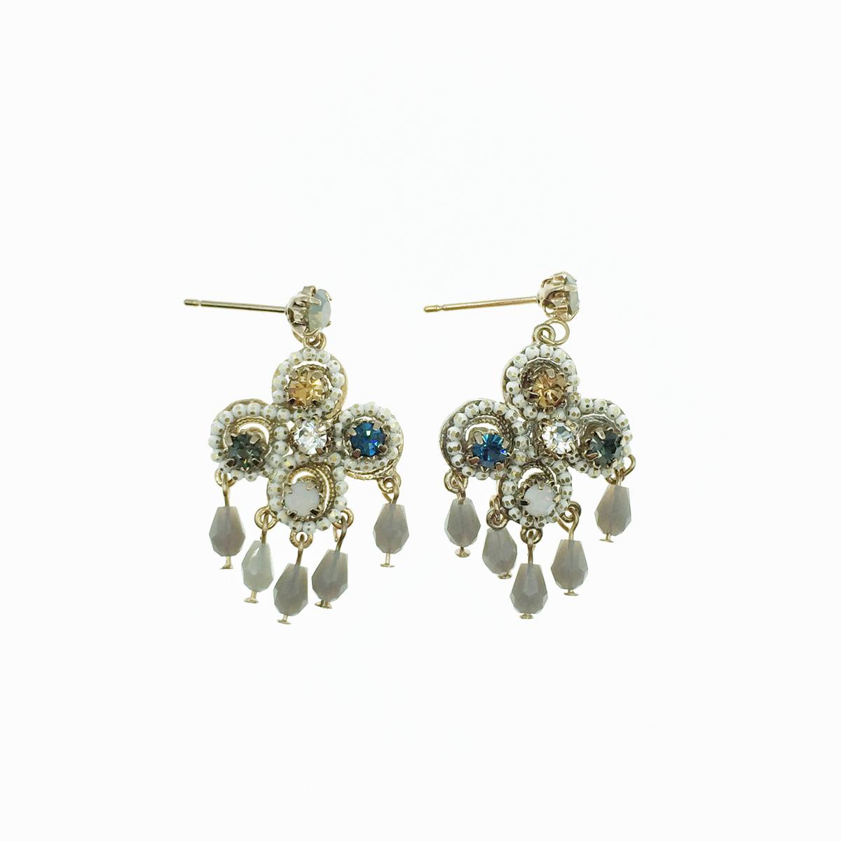 珍珠水鑽 垂墜流蘇 耳針式耳環 採用施華洛世奇水晶元素 Crystals from Swarovski