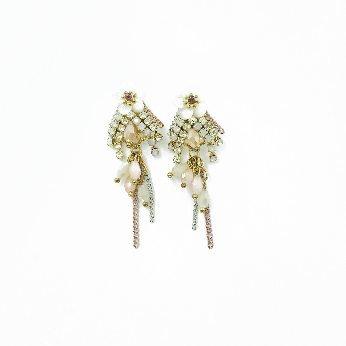 花 珍珠水鑽 垂墜 耳針式耳環 採用施華洛世奇水晶元素 Crystals from Swarovski
