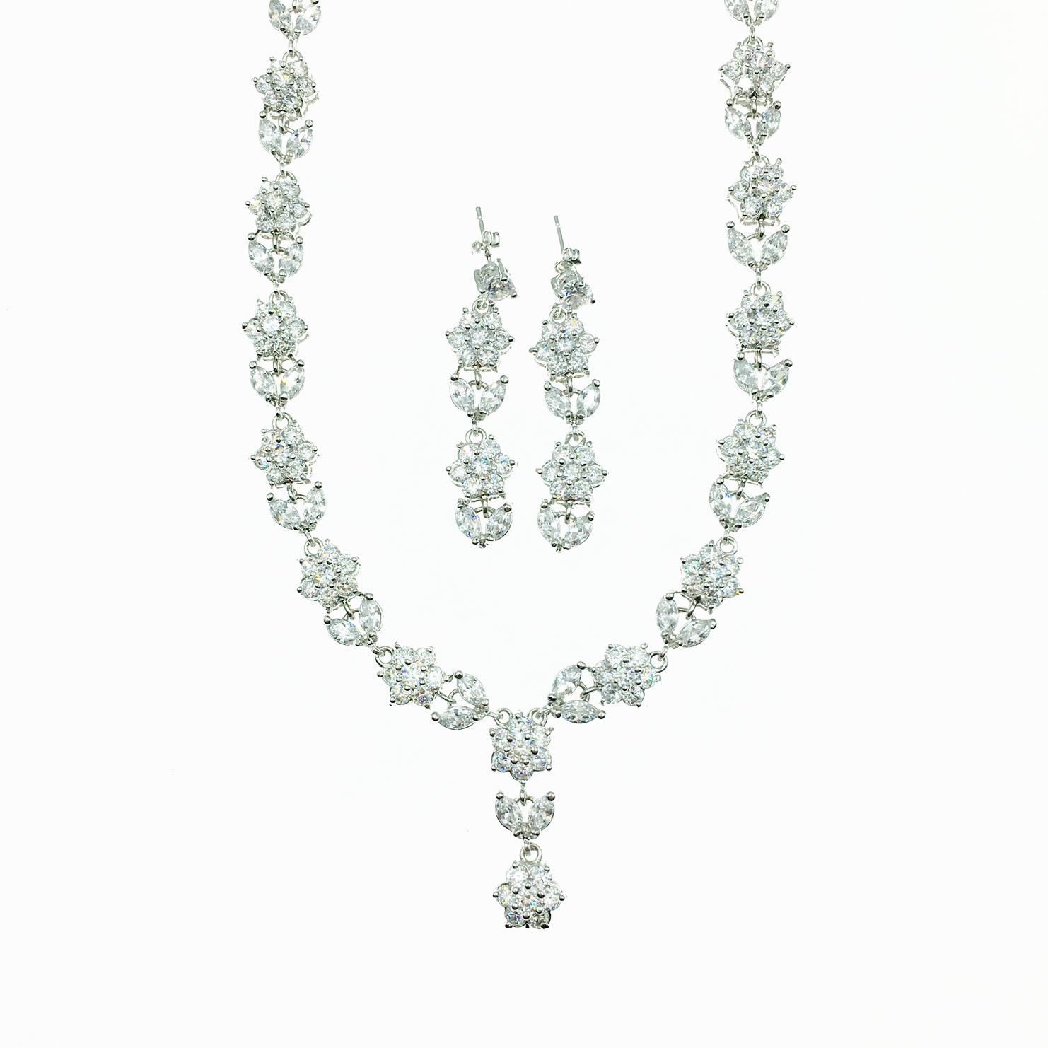 水鑽花 垂墜 新娘飾品 耳環項鍊套組 採用施華洛世奇水晶元素 Crystals from Swarovski