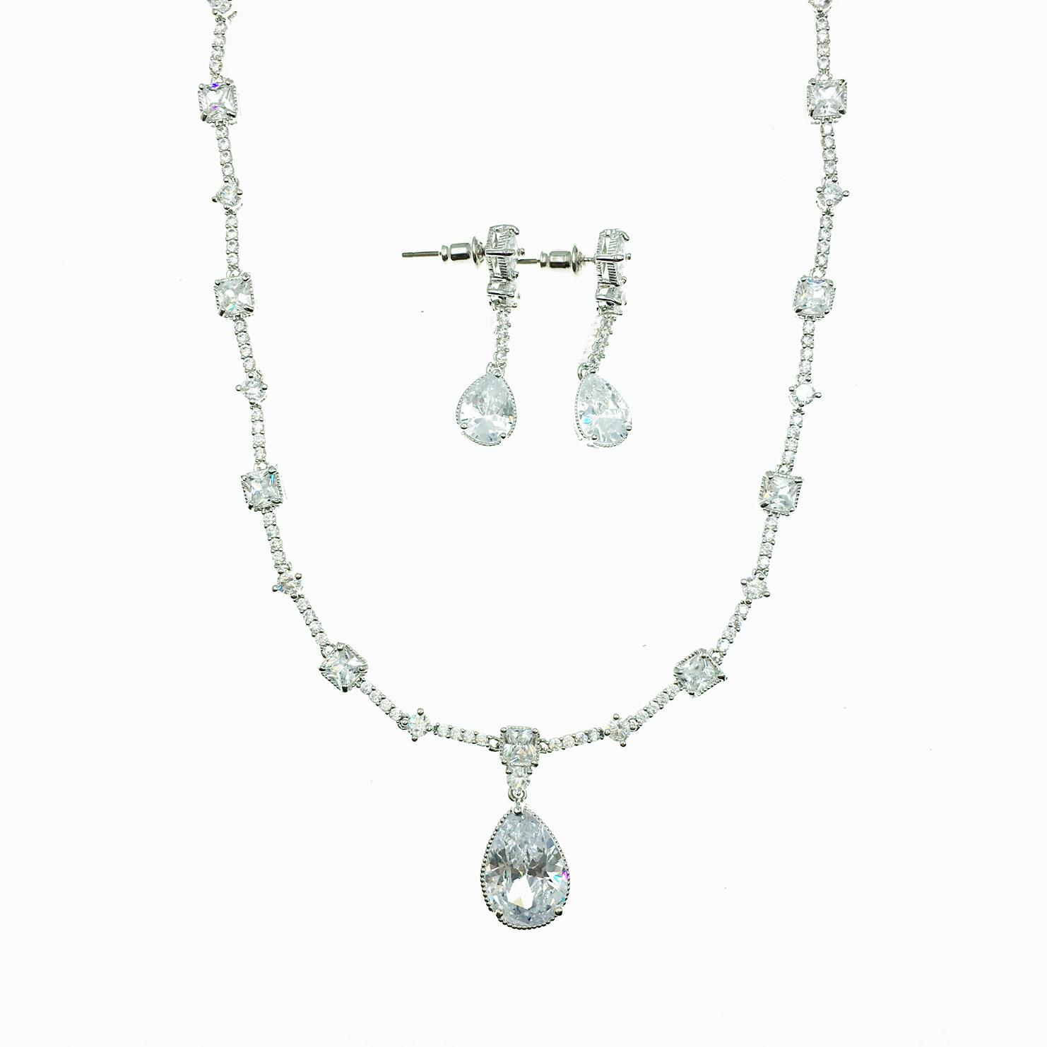 水滴水鑽 垂墜 新娘飾品 耳環項鍊套組 採用施華洛世奇水晶元素 Crystals from Swarovski