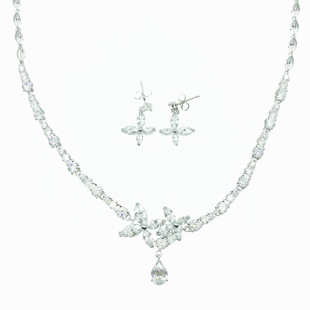 花造型 水滴設計 水鑽 耳針式耳環項鍊套組 採用施華洛世奇水晶元素 Crystals from Swarovski
