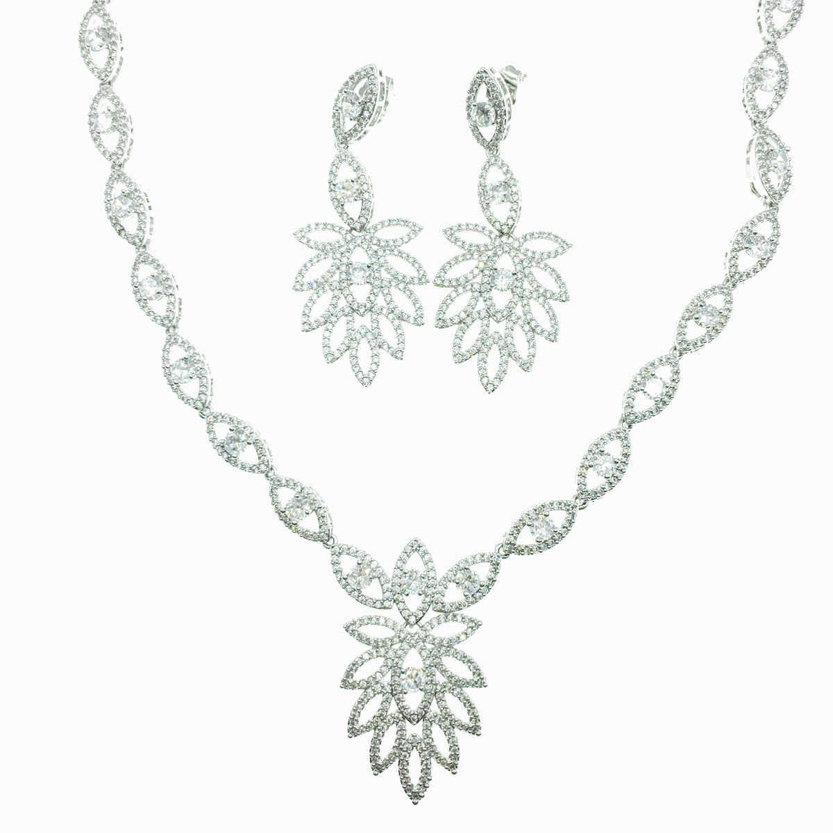 簍空造型 水鑽 新娘飾品 耳針式耳環項鍊套組 採用施華洛世奇水晶元素 Crystals from Swarovski