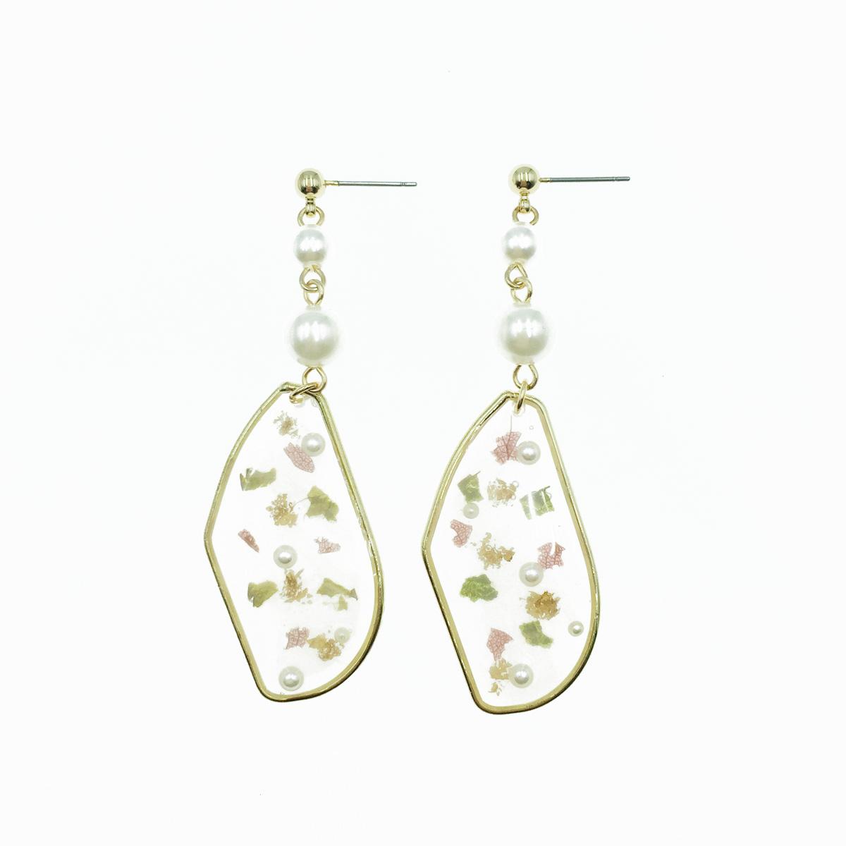 韓國 珍珠 金邊不規則形 壓花 乾燥花 垂墜感 耳針式耳環