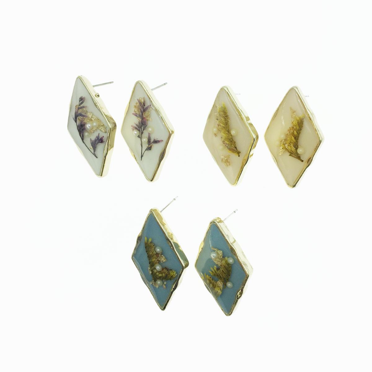 韓國 乾燥花 金邊菱形 珍珠 透明夾層 3色 耳針式耳環