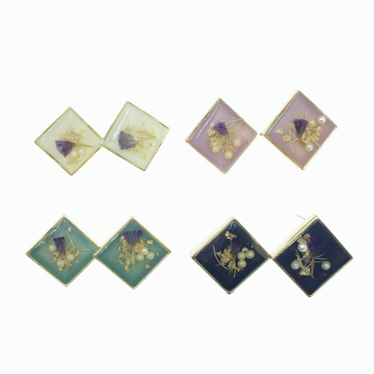 韓國 菱形金邊 乾燥花 透明夾層 壓花 珍珠 4色 耳針式耳環