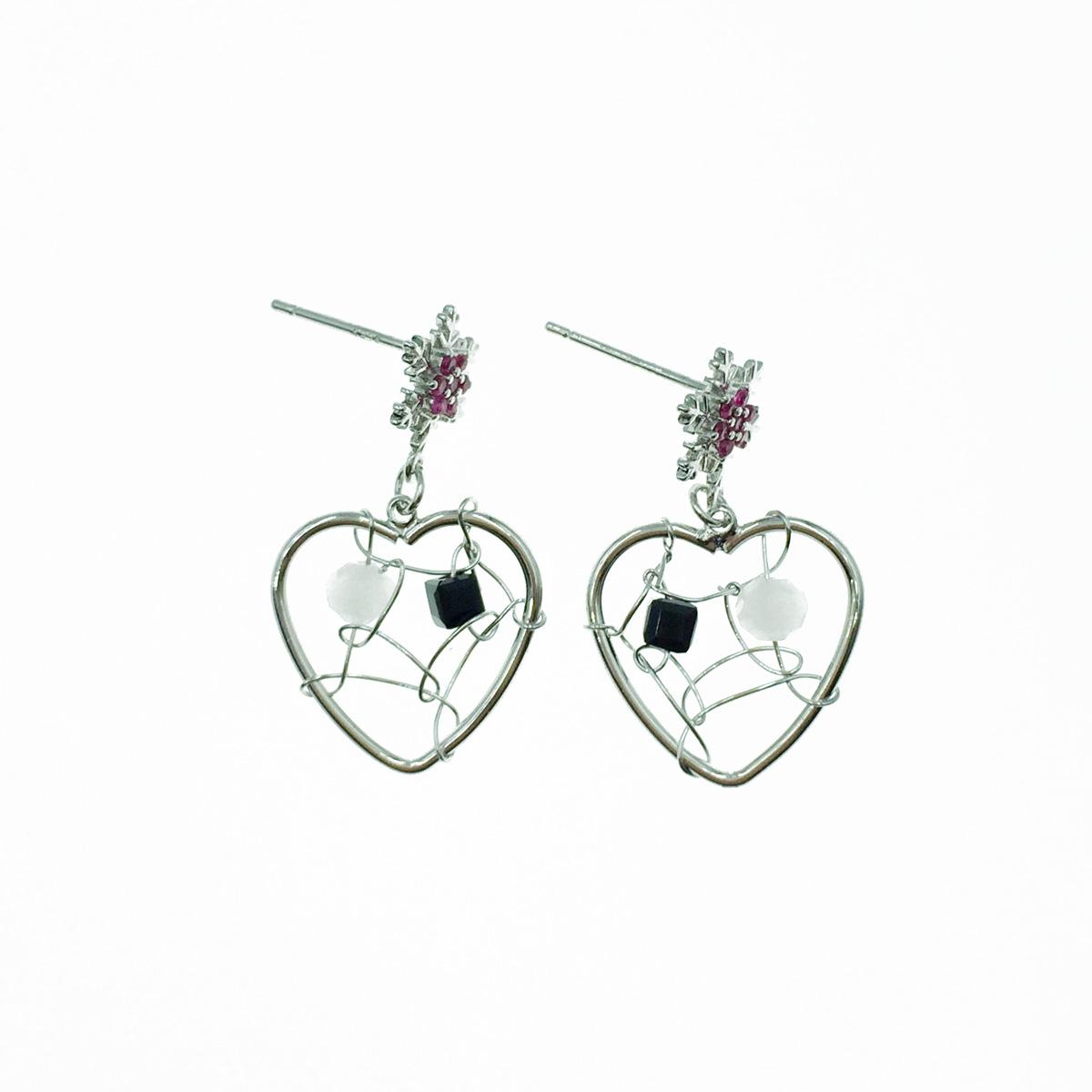 韓國 925純銀 雪花造型 水鑽 簍空愛心 黑白水晶 垂墜感 耳針式耳環