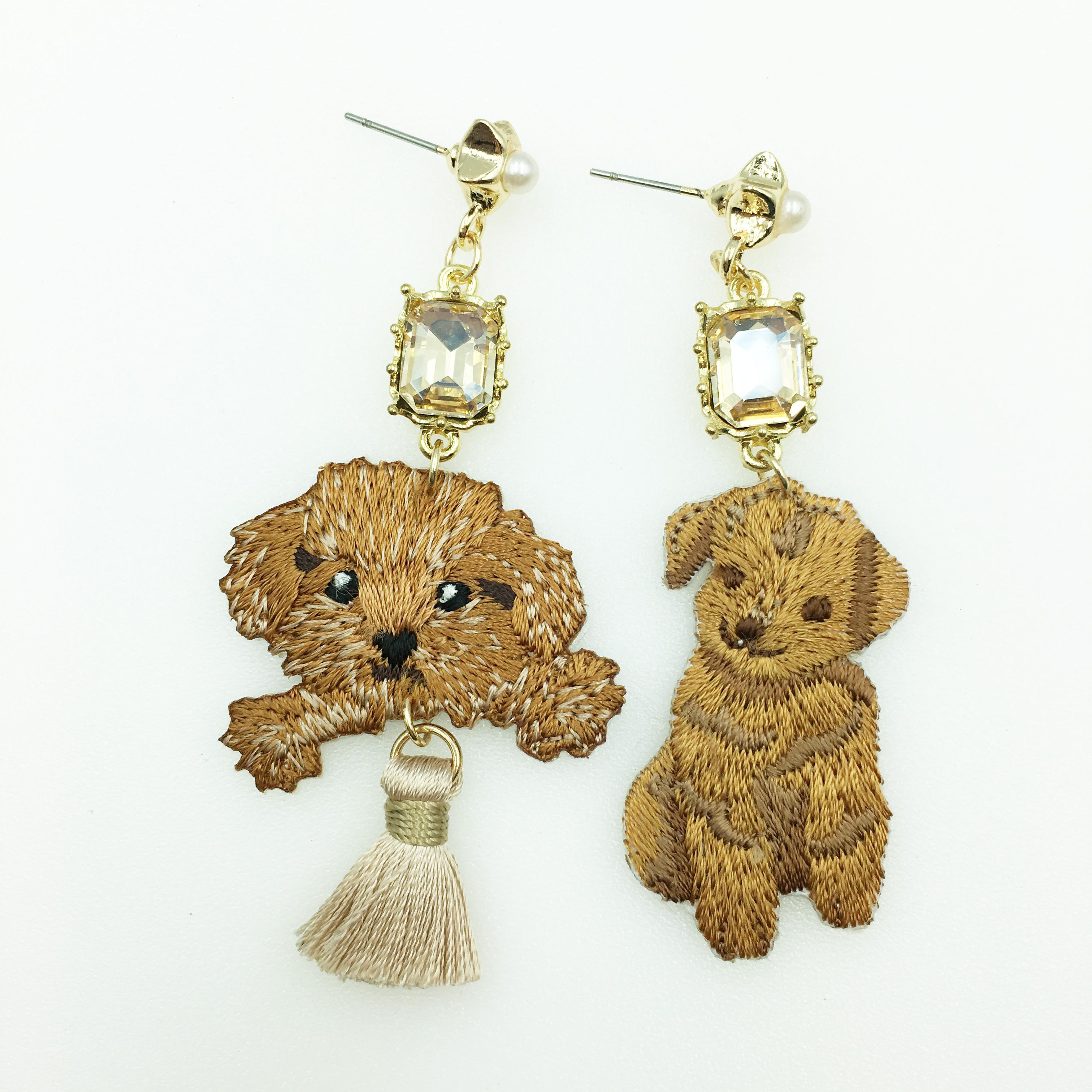 韓國 貴賓狗 不對稱 水鑽 星星珍珠 燙布貼 流蘇 垂墜感 耳針式耳環