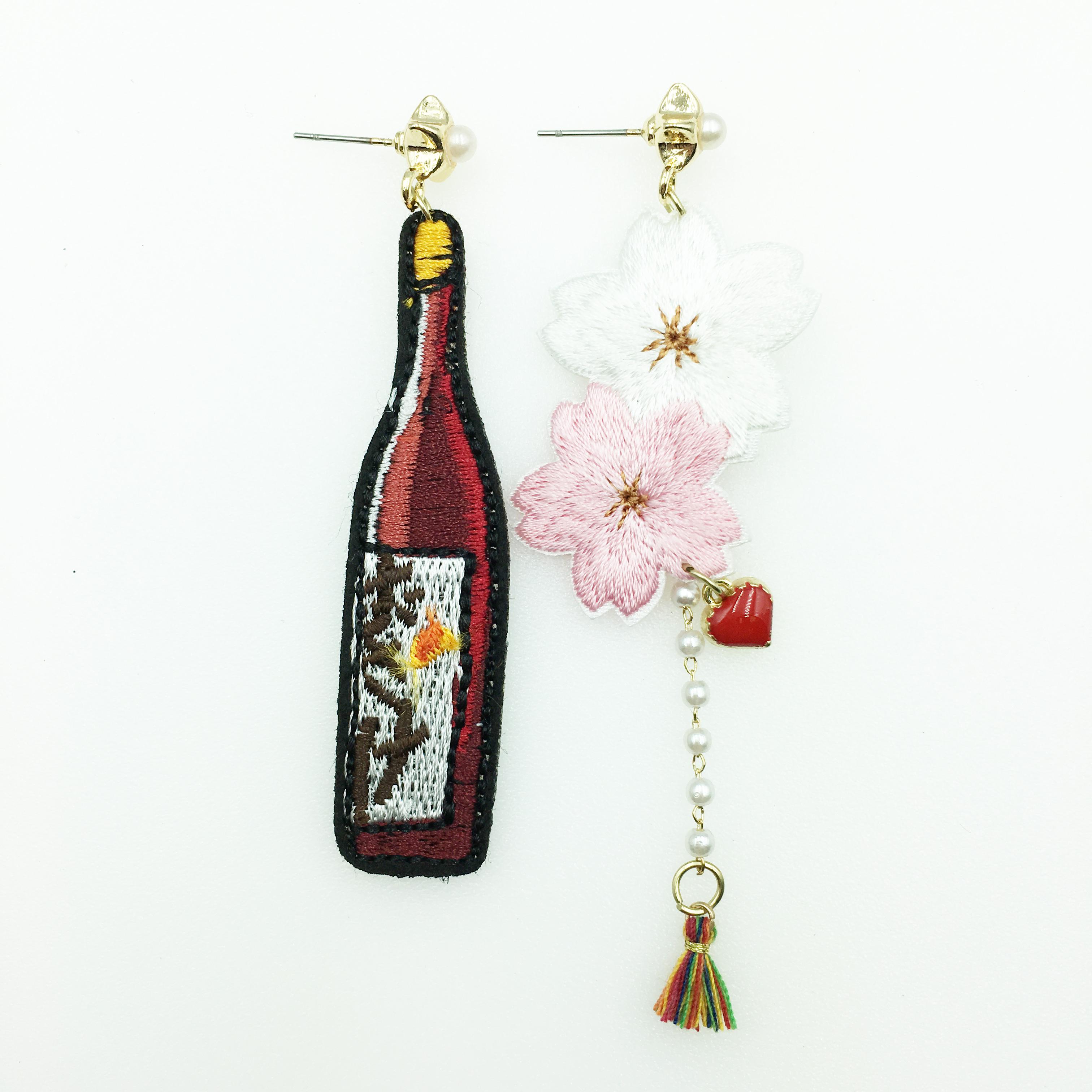韓國 不對稱 燙布貼 酒瓶 花 紅愛心 星星 珍珠 流蘇 垂墜感 耳針式耳環