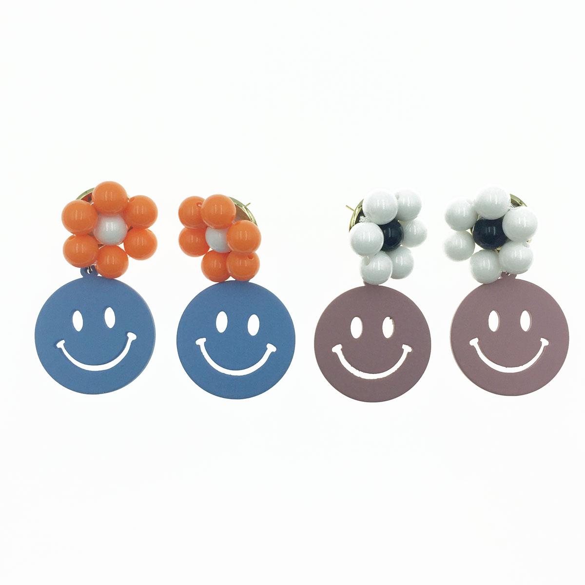 韓國 925純銀 微笑 花朵 珠珠 可愛 垂墜感 耳針式耳環