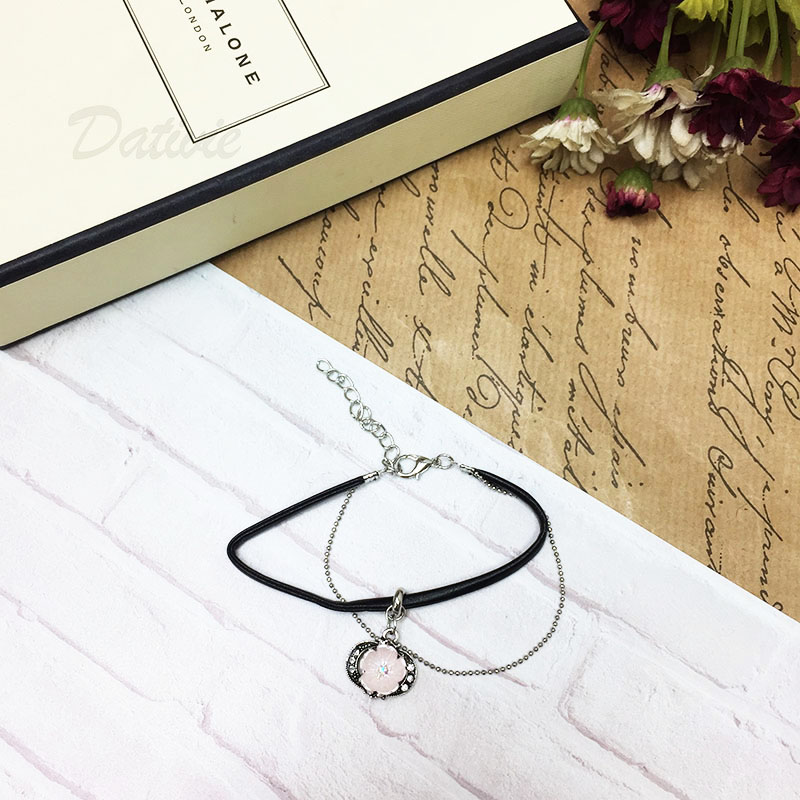 宮廷風 鑲鑽雙月 粉色水鑽花 皮革 銀細鍊 雙層 可調扣式 手鍊 手環 手飾