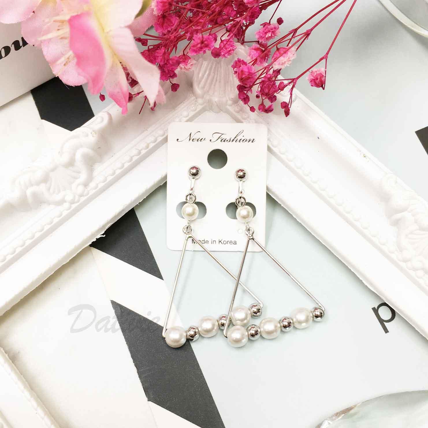 韓國 金屬風 串珠 三角形簡約 個性 俐落大方 歐美幾何 夾式耳環