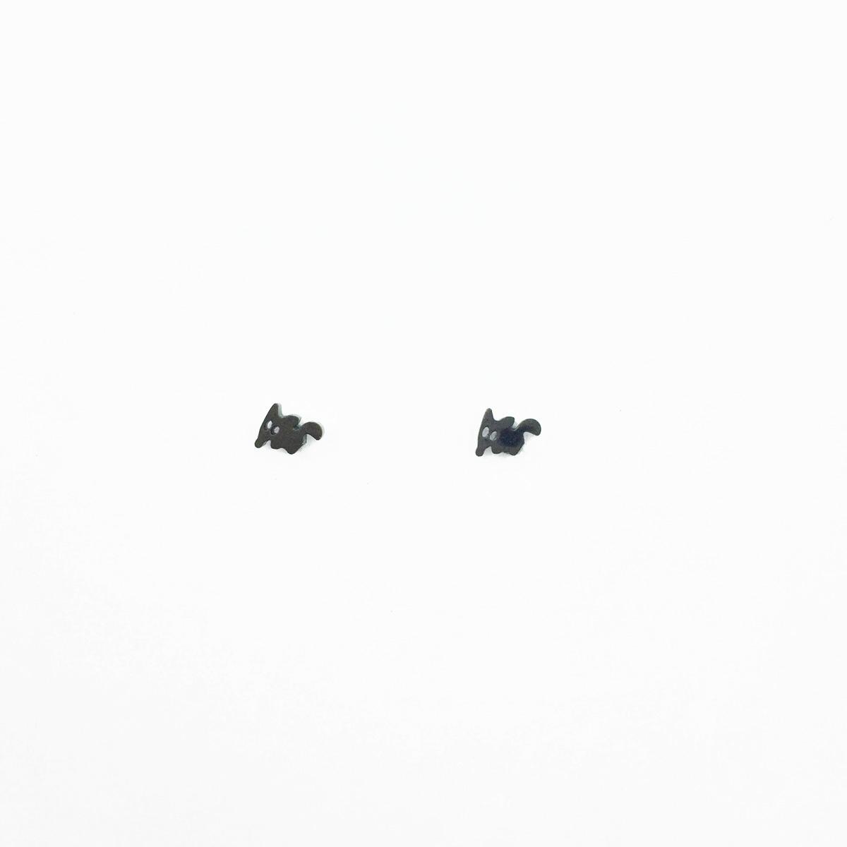 韓國 不鏽鋼 動物 黑色 可愛款 後轉耳針式耳環