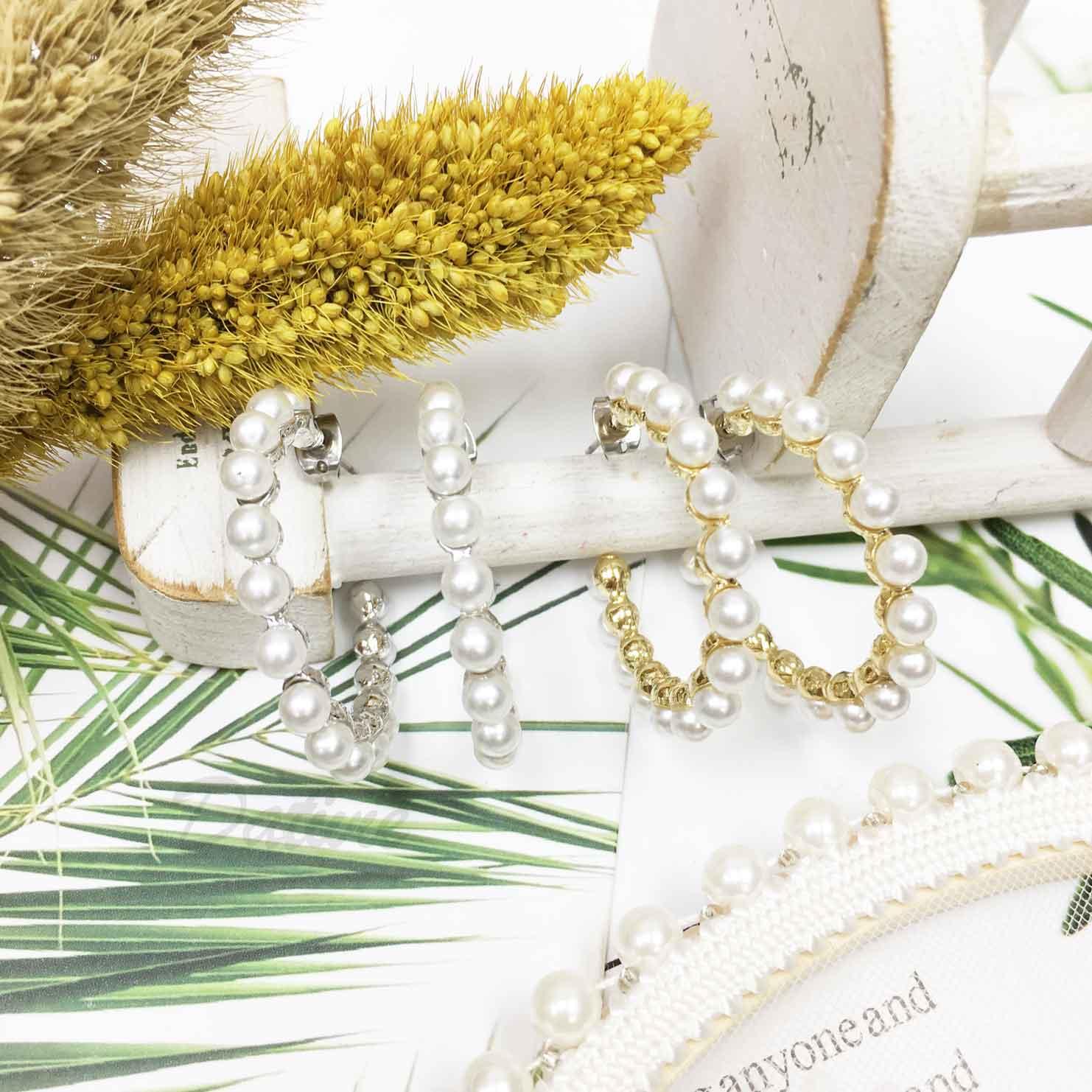 珍珠 半圓圈造型 開口 氣質款 2色 精緻耳針式耳環