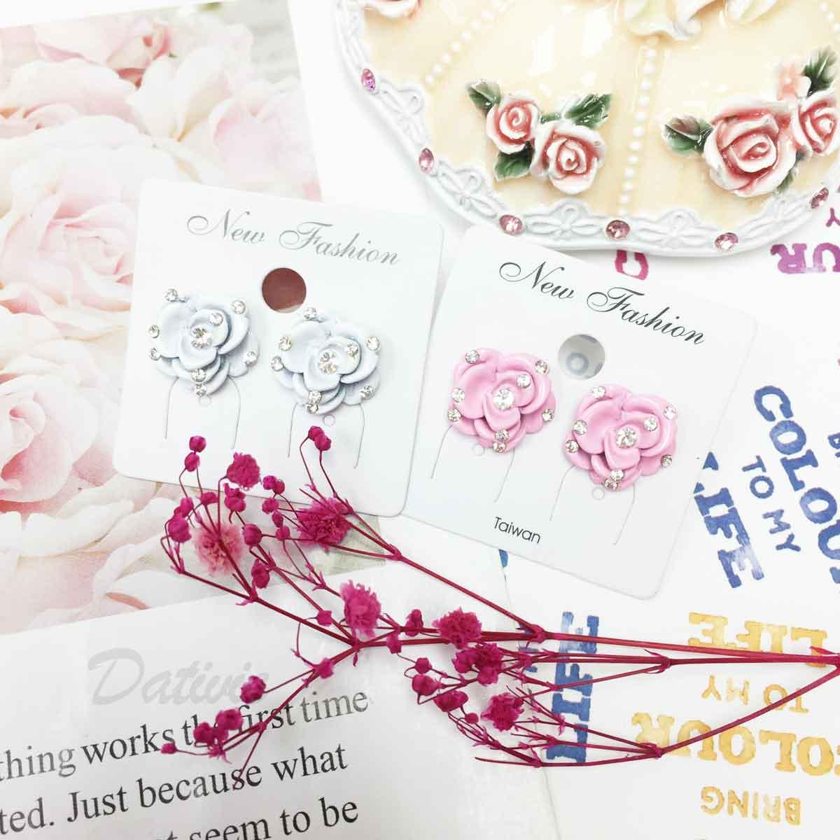 水鑽 玫瑰花 立體花瓣 層次感 白粉2色 耳針式耳環