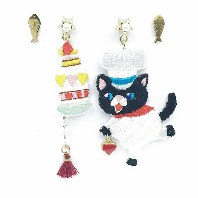 韓國 不對稱 刺繡 燙布貼 貓咪 廚師 蛋糕 愛心 魚骨頭 流蘇 垂墜感 4入 耳針式耳環