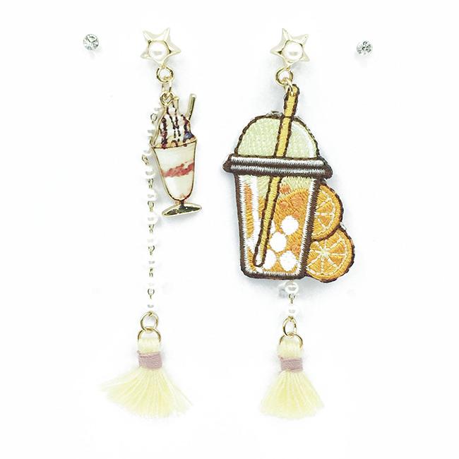 韓國 不對稱 刺繡 燙布貼 橘子汽水 冰沙 星星 珍珠 鑽 流蘇 垂墜感 4入 耳針式耳環