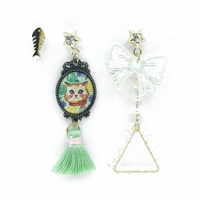 韓國 不對稱 刺繡 燙布貼 蝴蝶結 貓咪 魚骨頭 相框 三角形 流蘇 垂墜感 3入 耳針式耳環