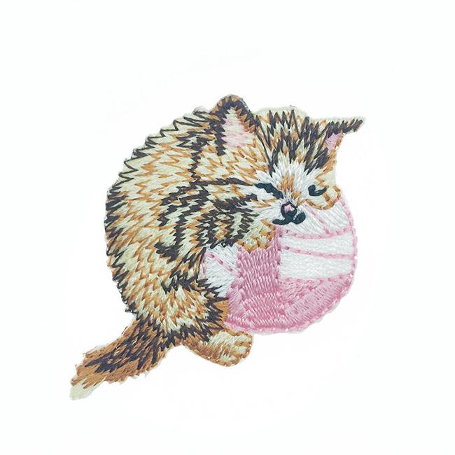 韓國 刺繡 燙布貼 貓咪 毛線 睡覺 胸針 別針