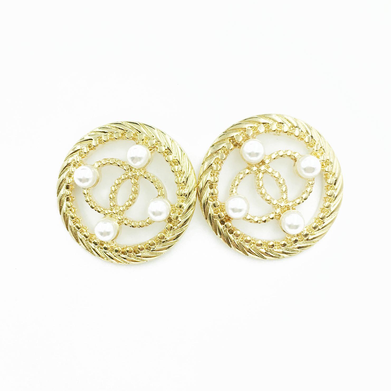 韓國 簍空 珍珠 圓 金色 優雅氣質 耳針式耳環