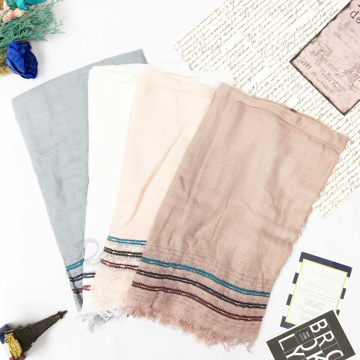 圍巾 線條 素雅 簡約 條紋不收邊 抽鬚 薄圍巾 四色
