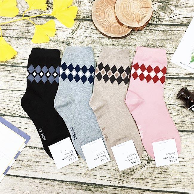 韓國 22-26cm 菱形 黑 灰 米 粉 中長襪 成人襪 襪子