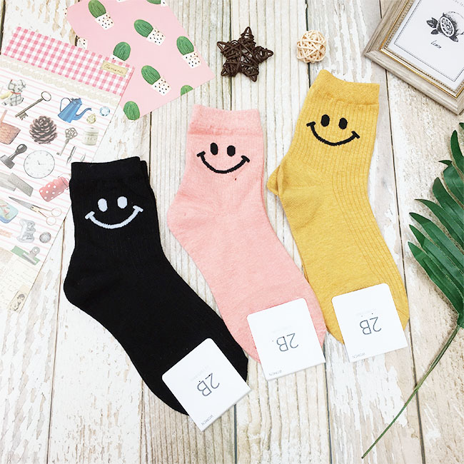 韓國 22-26cm 微笑 黑 粉 黃 中長襪 成人襪 襪子