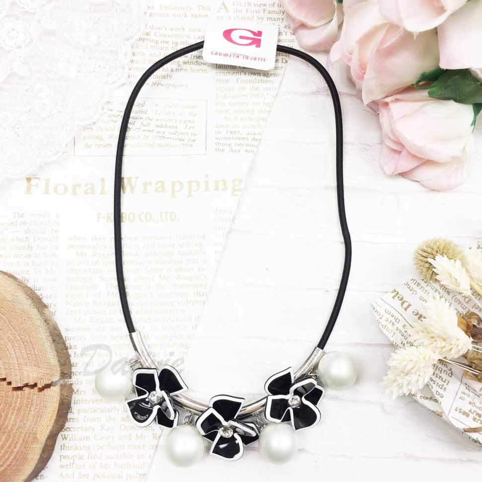 韓國 GRAIN DE BEAUTE (AZNAVOUR) 小香風 立體花朵 垂墜 珍珠 項鍊