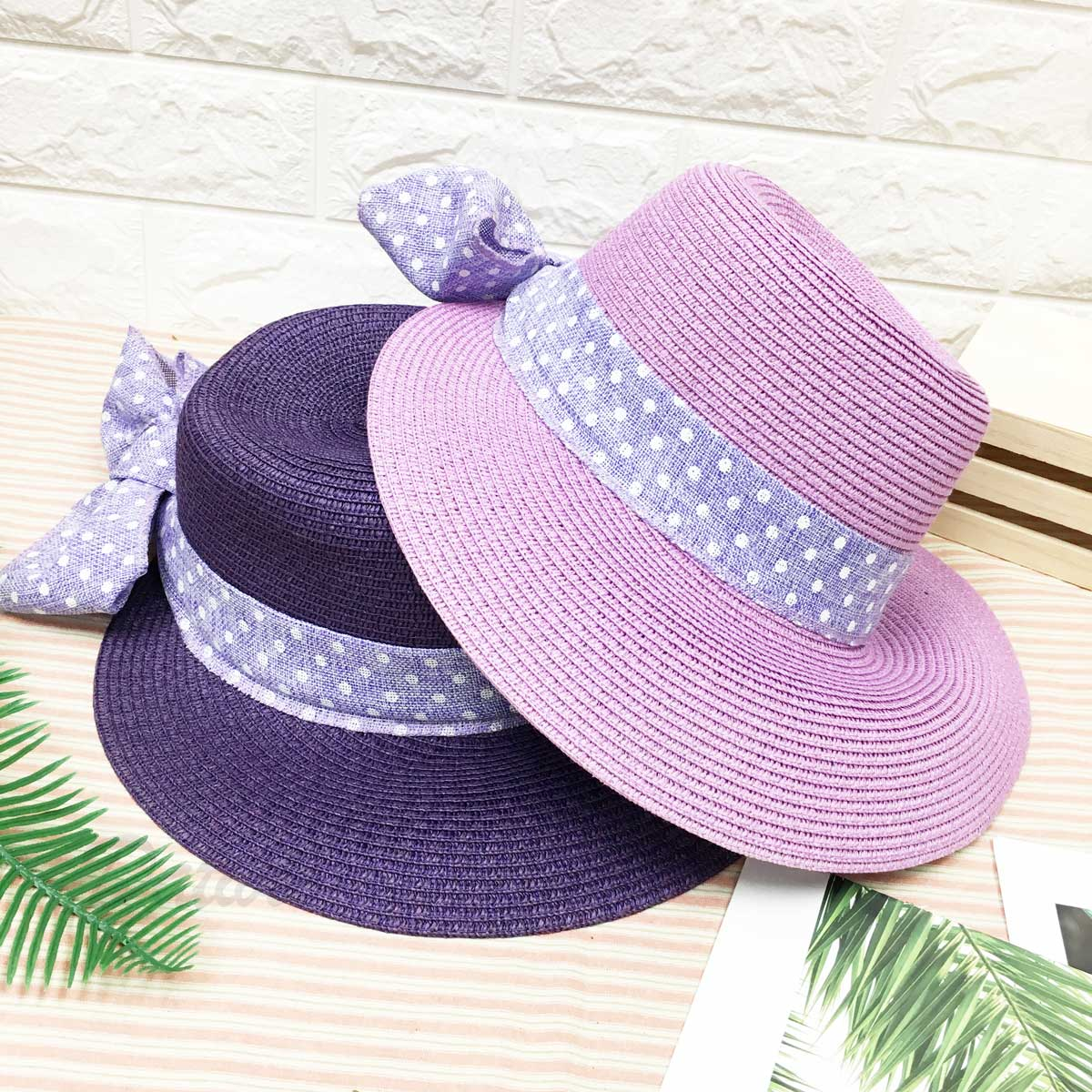 編織款 鴨舌草帽 繽紛 後面大綁帶 淡紫色蝴蝶結 點點配色 帽子 遮陽帽 草帽