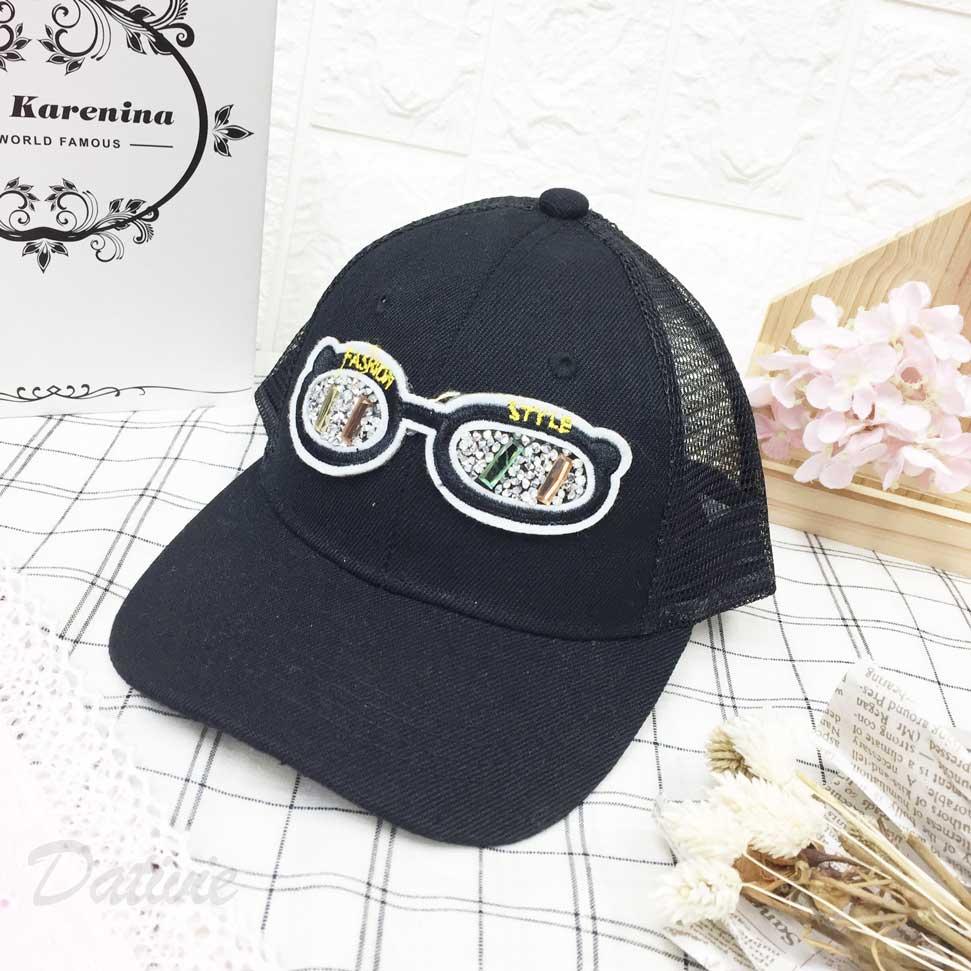 兒童帽 時尚 英文字樣式 眼鏡 水鑽 透氣式 後可調鬆緊 帽子 網帽