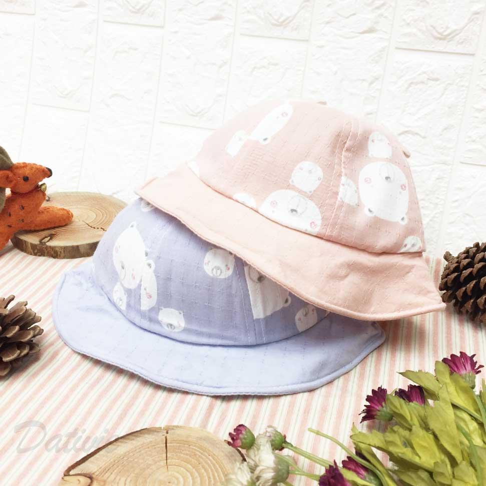 兒童帽 可愛熊寶寶  立體耳朵 帽沿鐵邊可彎曲造型 有拉繩 內裡刺繡英文字 十字花紋 帽子
