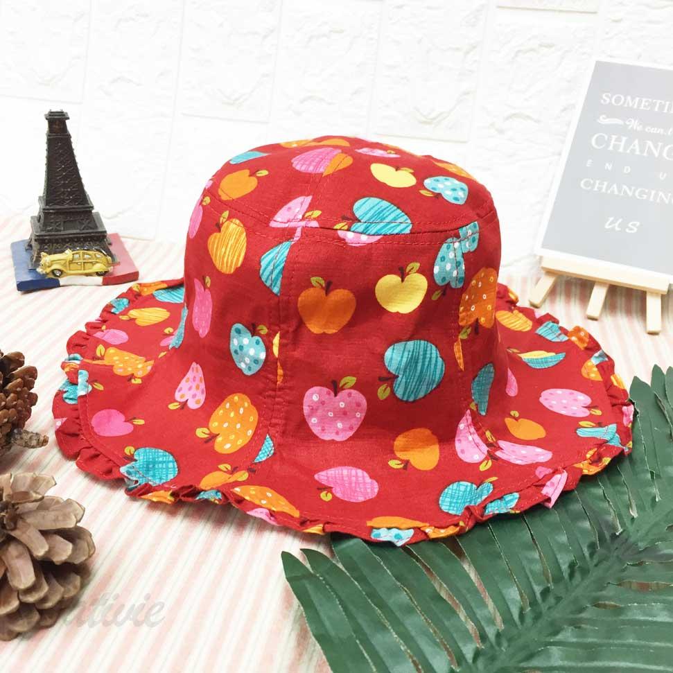 兒童帽 滿版蘋果 蝴蝶結 紅色 帽沿小波浪造型 有拉繩 帽子