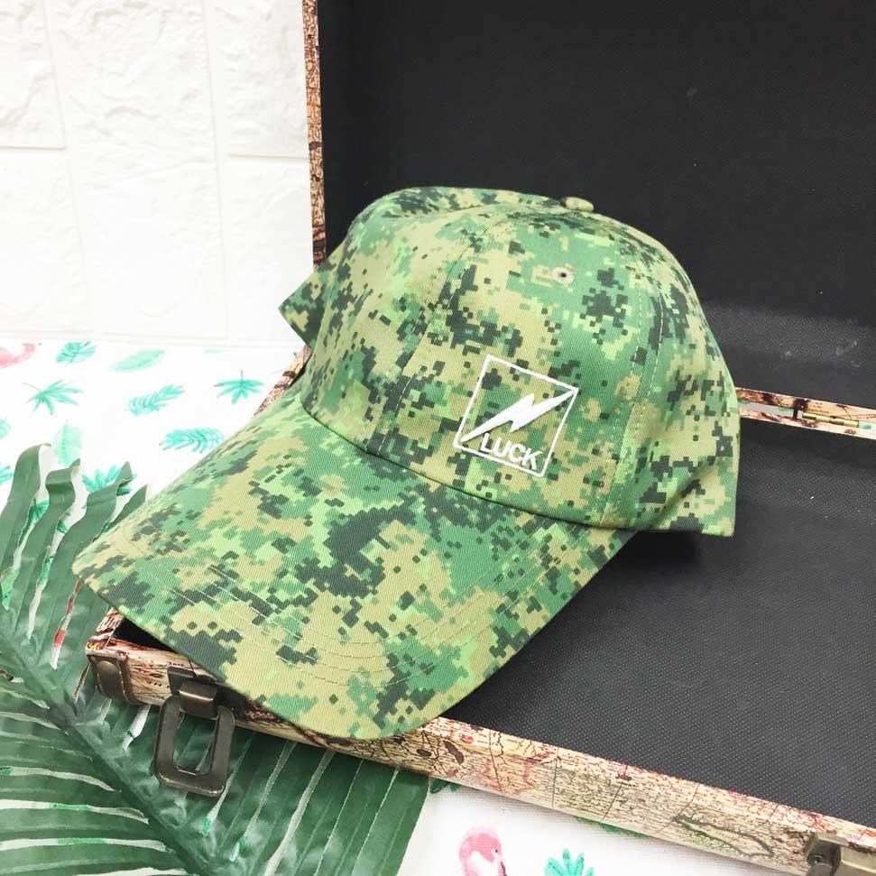 鴨舌帽 綠馬賽克 方框閃電LUCK 後可調鬆緊 帽子 棒球帽