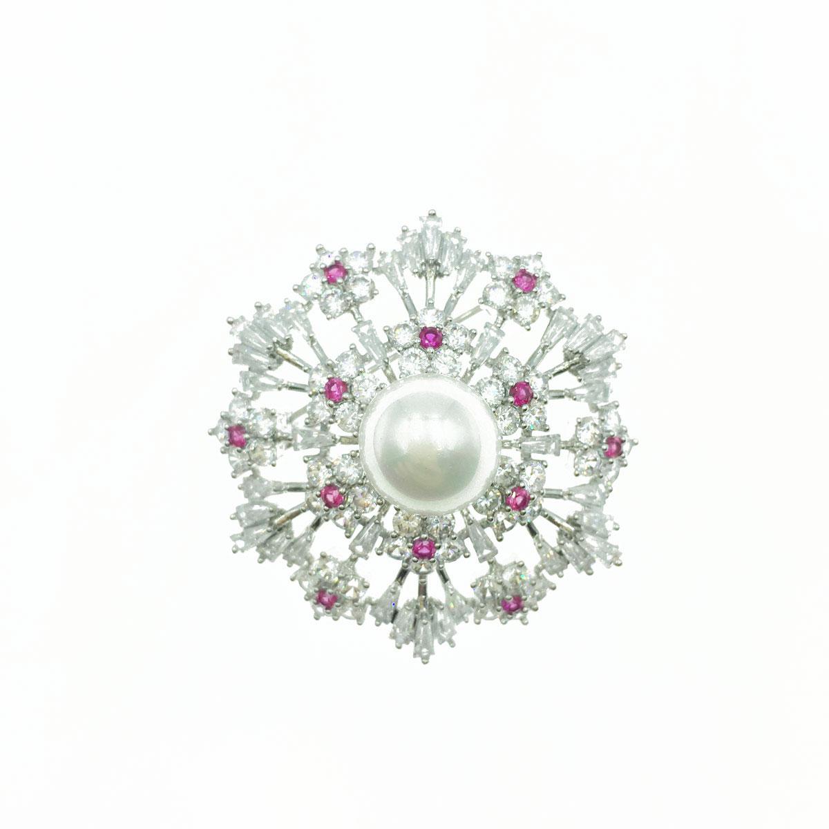 珍珠雪花造型 小梅花 水晶 水鑽 銀色 別針 胸針 採用施華洛世奇水晶元素 Crystals from Swarovski