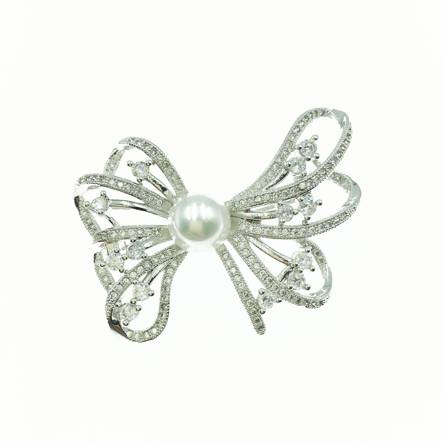 珍珠簍空蝴蝶結 水鑽邊 白鑽 銀色 別針 胸針 採用施華洛世奇水晶元素 Crystals from Swarovski
