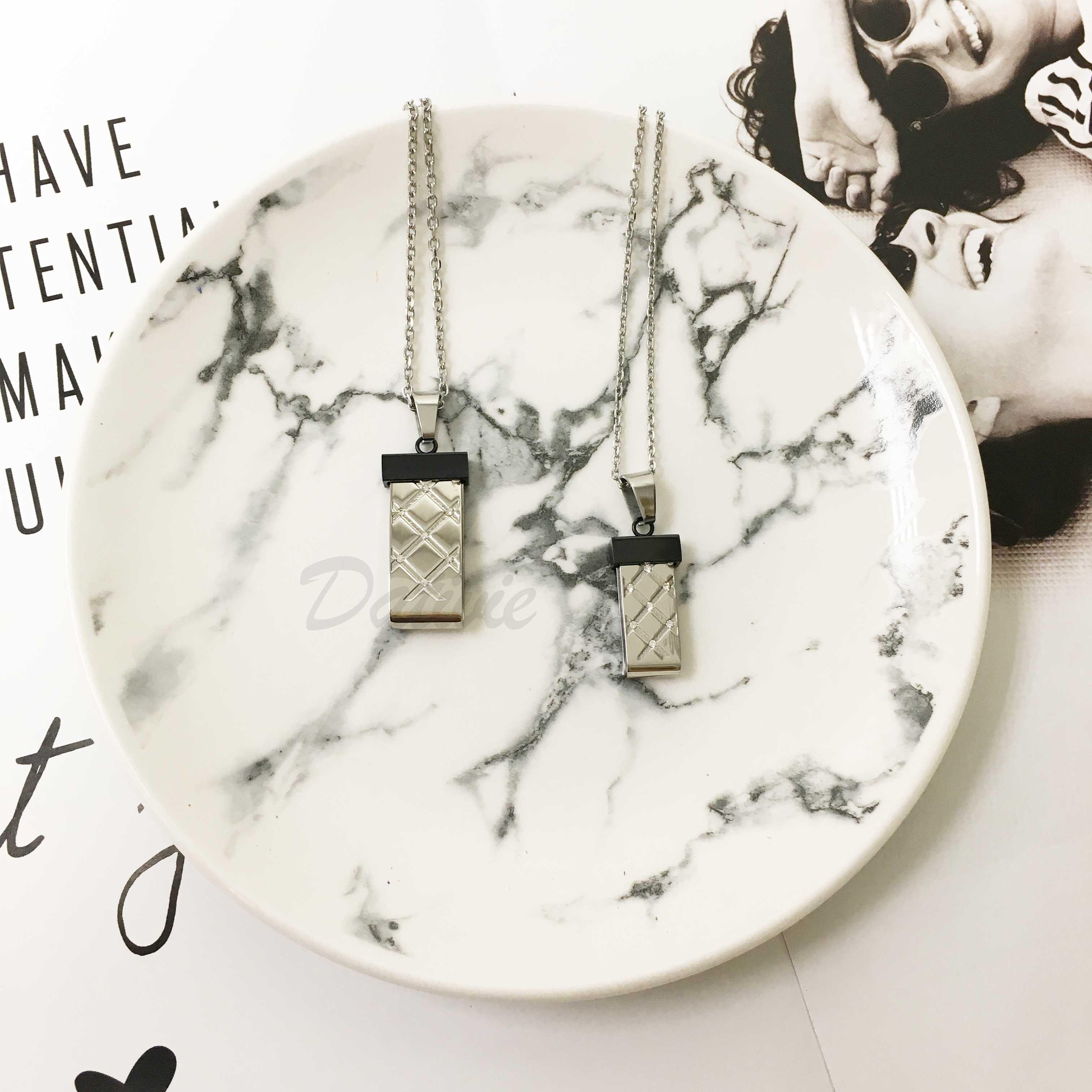 不鏽鋼 雙色 立體 格紋吊牌 鑲鑽 項鍊