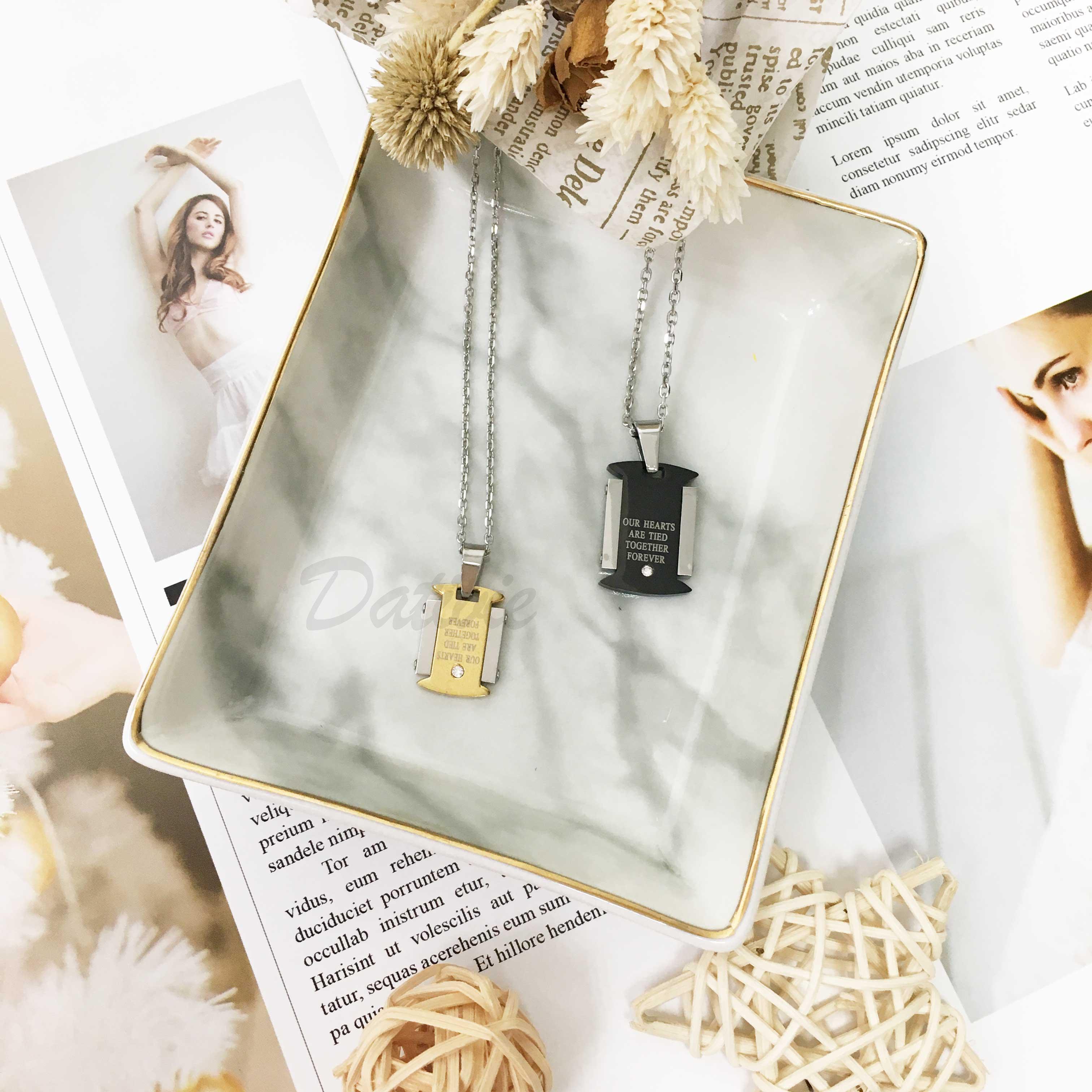 不鏽鋼 雙色 愛的里程碑 刻字(我們的心永遠綁在一起) 鑲單鑽 項鍊