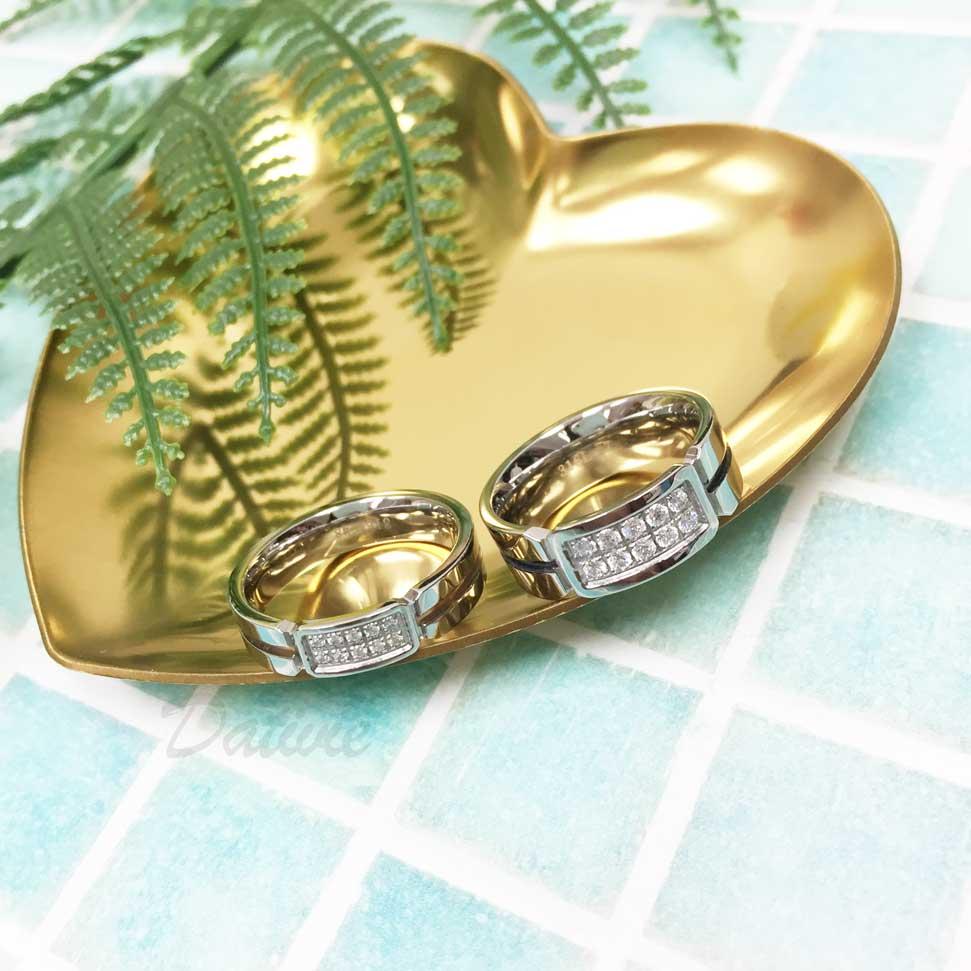 不鏽鋼 中間線條 長形框 雙排水鑽 大小 黑色 玫瑰金 手飾 對戒 戒指