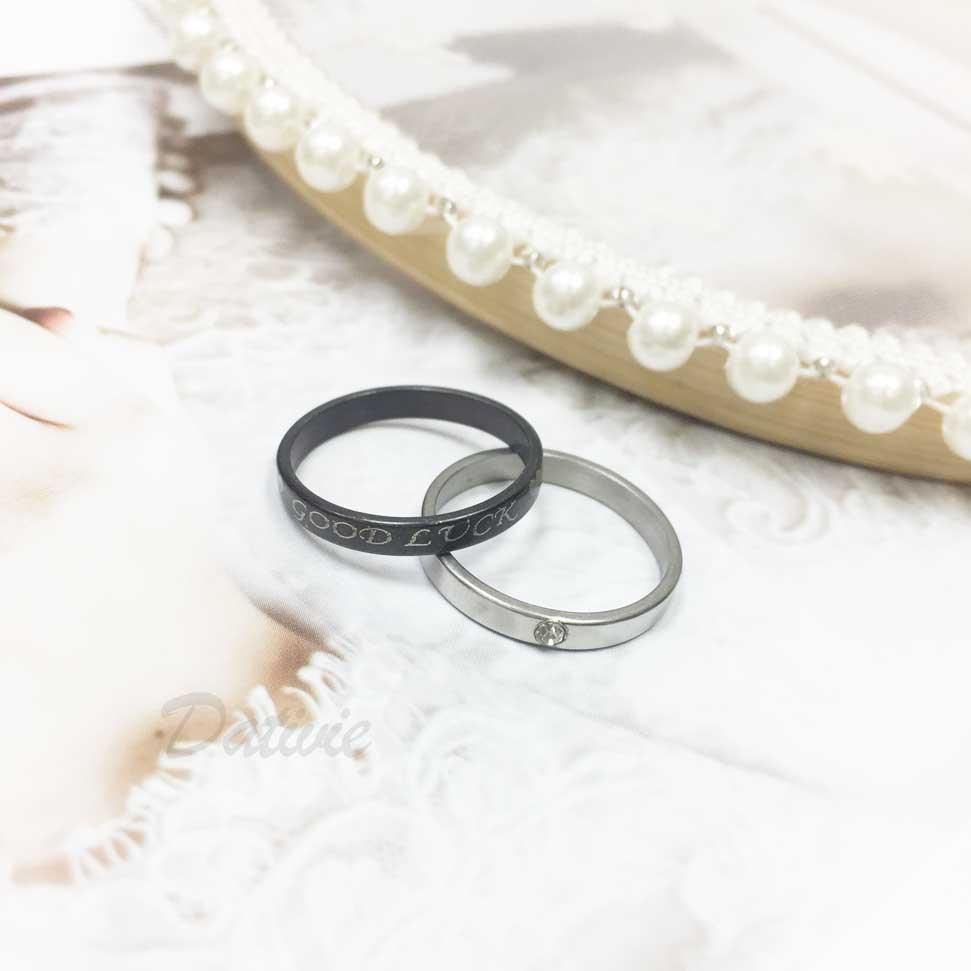 不鏽鋼 (祝好運) 印字 愛心 黑色 水鑽 銀色 二入組 手飾 戒指