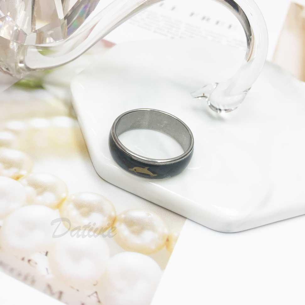 不鏽鋼 海豚 黑底 趣味風 銀色 手飾 戒指